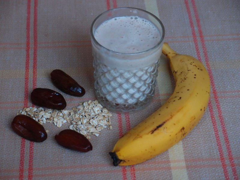 Banana & Dates Good Morning